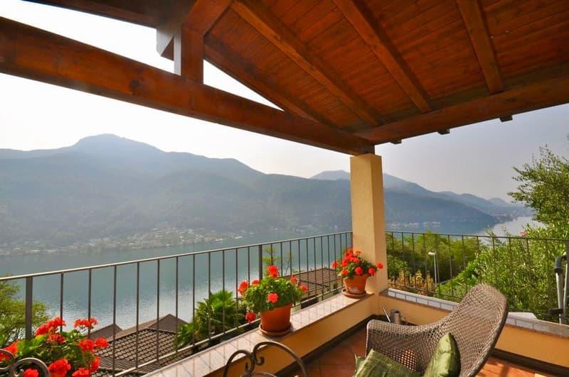Villa con Vista Lago di Lugano e Tranquillità a Vico Morcote