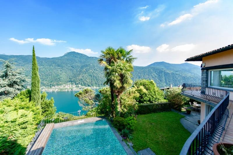 Villa Signorile in Stile Ticinese con Piscina e Vista Lago di Lugano