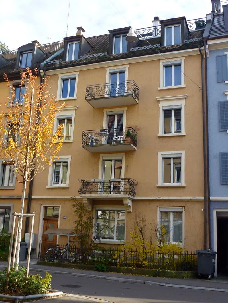 Stilvolle 3.5-Zimmer Altbau-Wohnung (1)