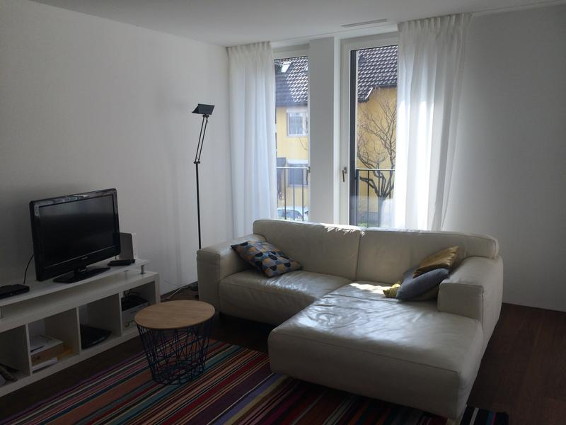 Moderne, voll möblierte Wohnung mit Blick ins Grüne und eigenem Waschraum im UG (2)