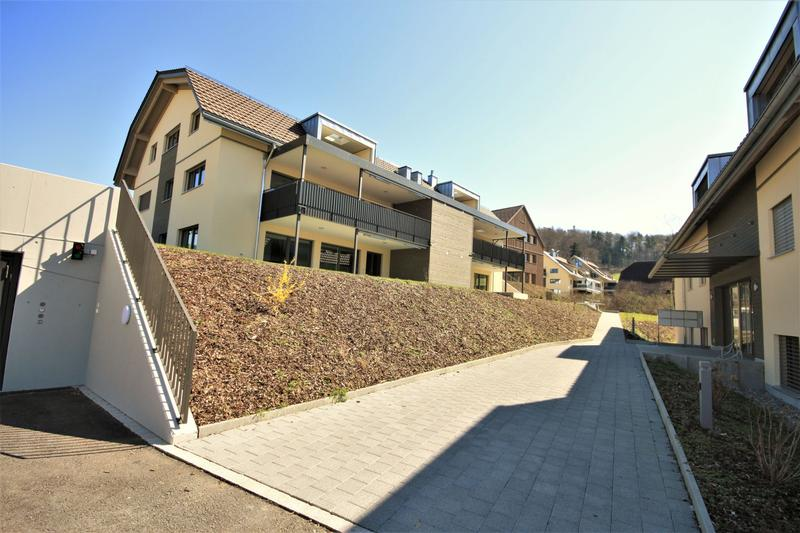 Moderne, attraktive 4 1/2 - Zimmer Eigentumswohnung im Dachgeschoss (1)