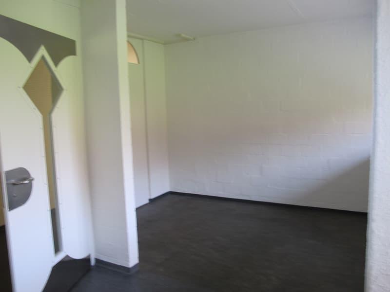 92m2 Bürofläche - Einteilung: 1 Grossraum- 3 kleinere Büros (2)