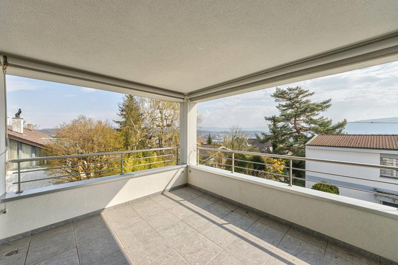 Terrasse mit Aussicht nach Osten/Süden