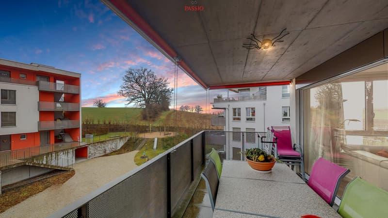 Stilvolle, lichterfüllte 4.5-Zimmerwohnung mit Balkon von 13.5m²
