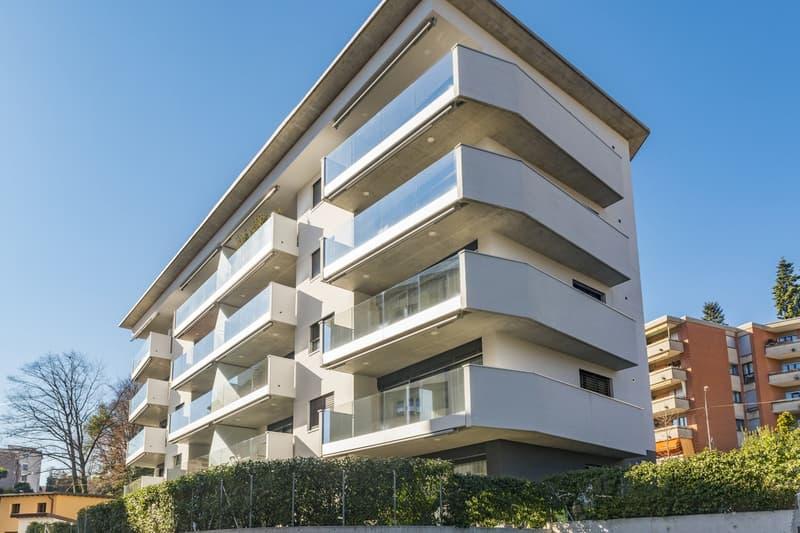 Moderno appartamento con vista lago (1)