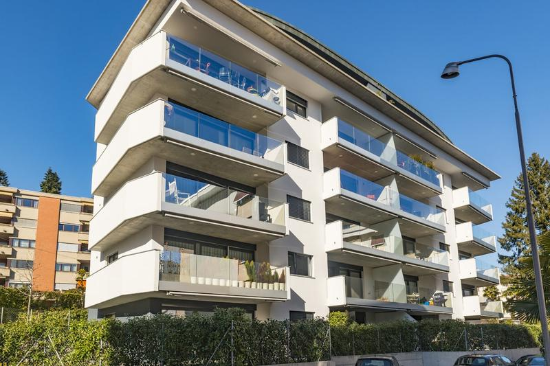 Moderno appartamento con vista lago (2)