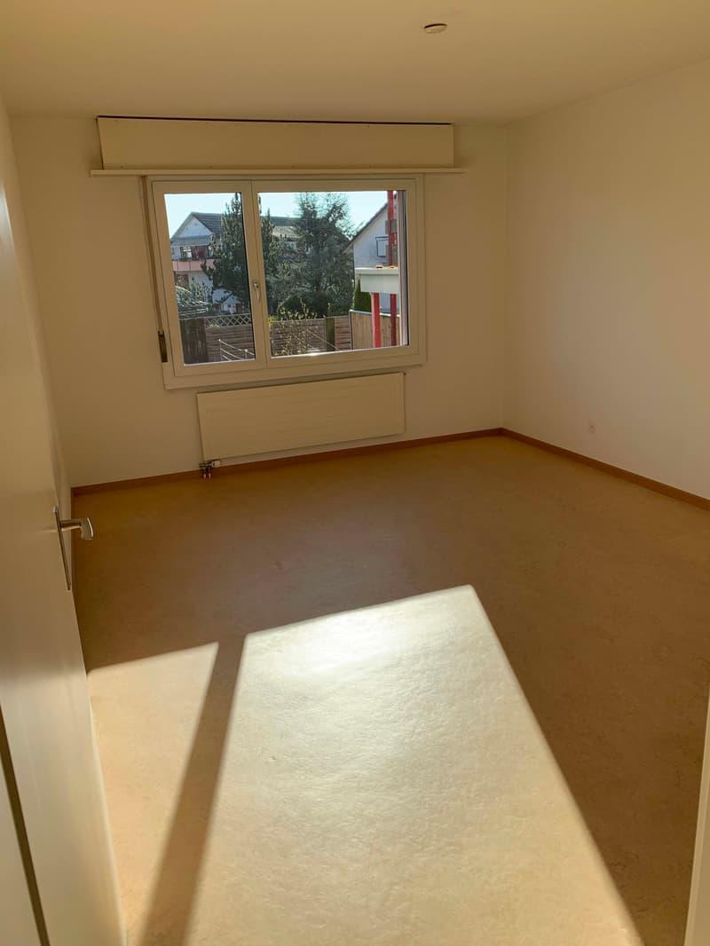 Schöne 3 1/2 Zimmerwohnung mit 85 m2 Wohnfläche (3)