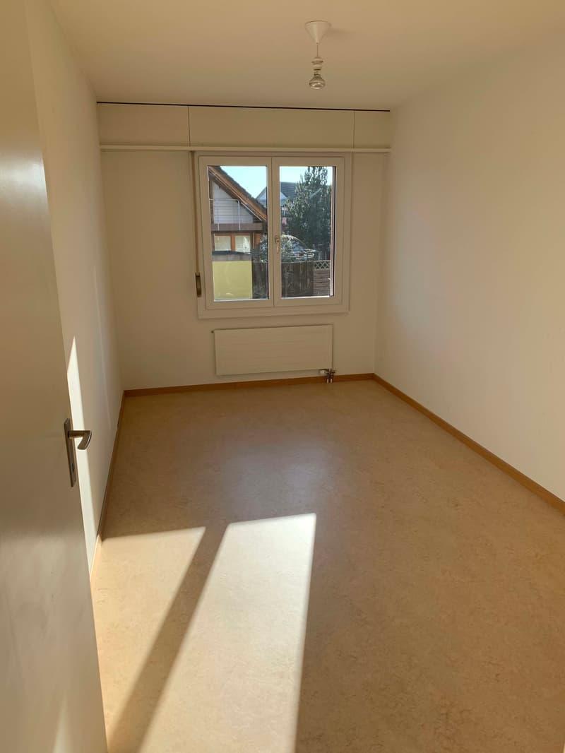 Schöne 3 1/2 Zimmerwohnung mit 85 m2 Wohnfläche (4)