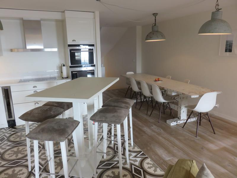Logement spacieux de 160 m2 avec dépendance de 30 m2. Endroit calme, proche de tout (4)