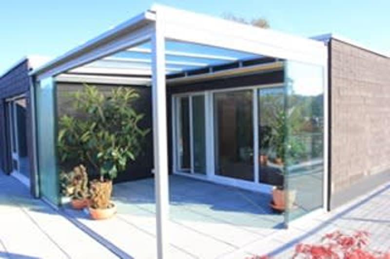 Sonnige Attikawohnung mit Terrasse in ruhiger und kinderfreundlicher Lage (1)