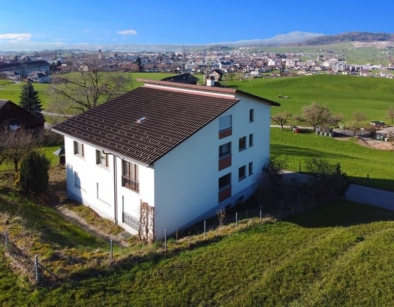 Mehrfamilienhaus - 2 Wohnungen mit Ausbaupotenzial