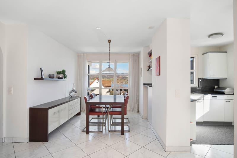 Schöne gepflegte 3.5 Zimmer-Wohnung mit Seesicht (2)