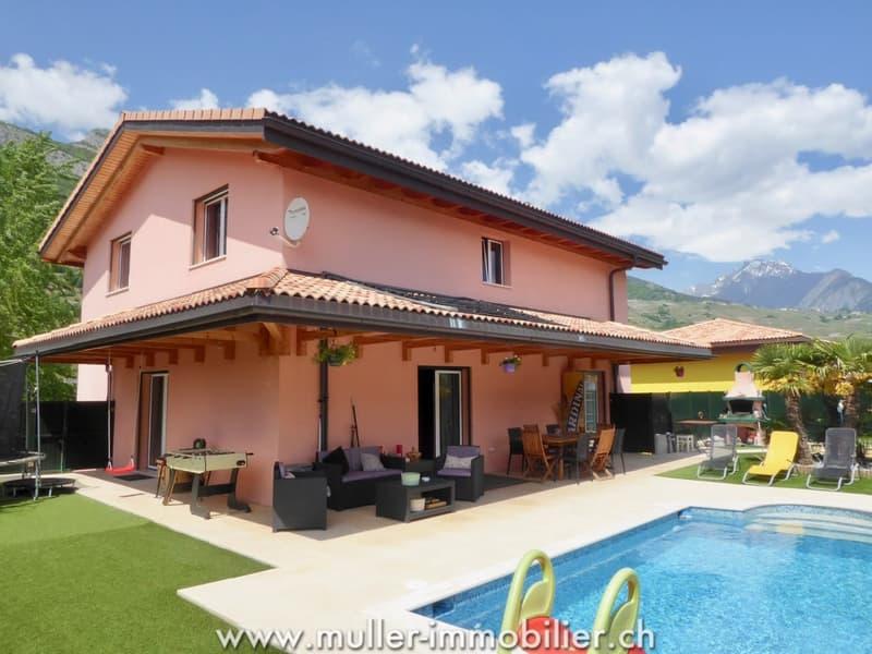Spacieuse et belle villa avec piscine à Vétroz