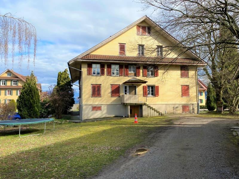3-Familienhaus mit grosser Baulandreserve (Grundstück 2'400 m2) - ideal für ein weiteres Objekt