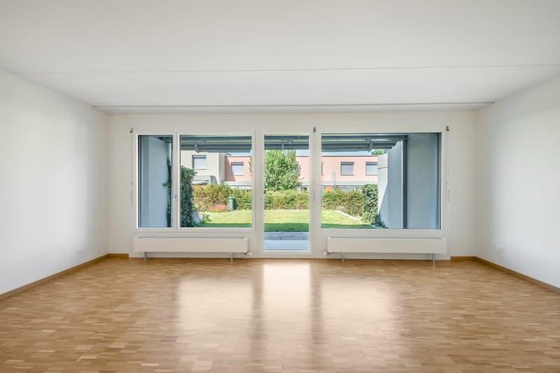Helle Wohnung mit grossem Sitzplatz