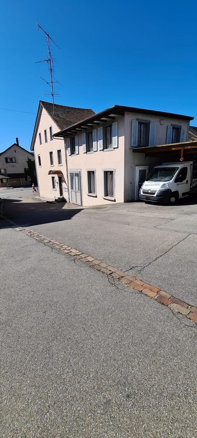 Mehrfamilienhaus; Dorfkernzone A (1)