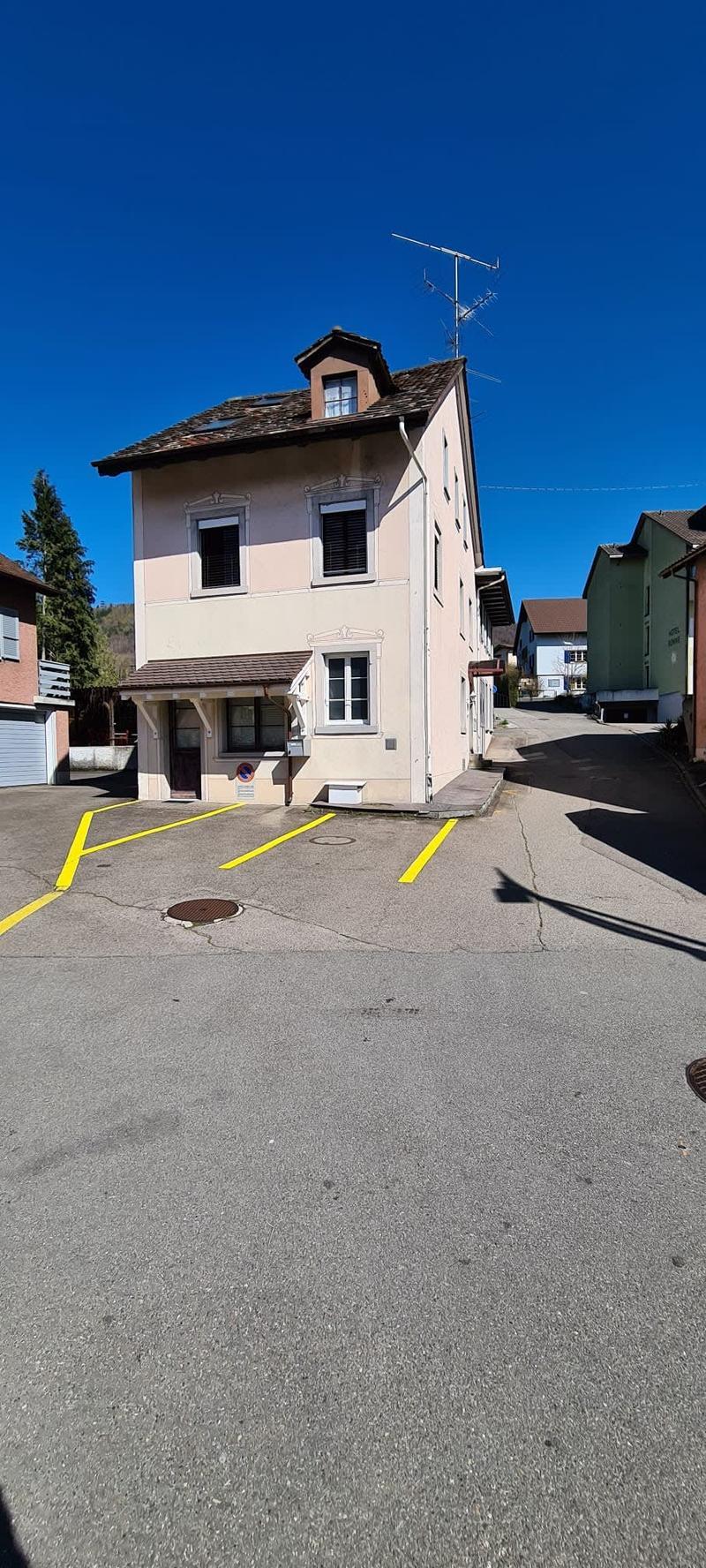 Mehrfamilienhaus; Dorfkernzone A (3)
