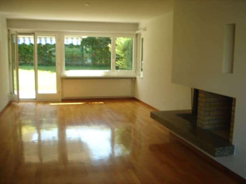 Wohnzimmer mit Ausgang zum Garten / living room with exit to garden