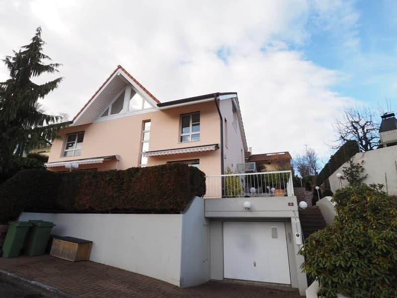 Einfamilienhaus mit Aussichtsterrasse und Garage