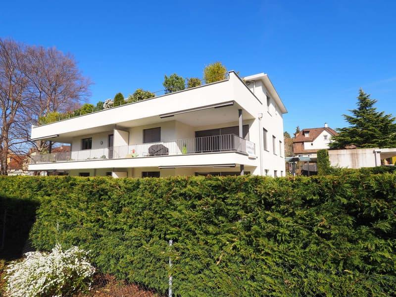 Moderne Eigentumswohnung mit Terrasse und Carport