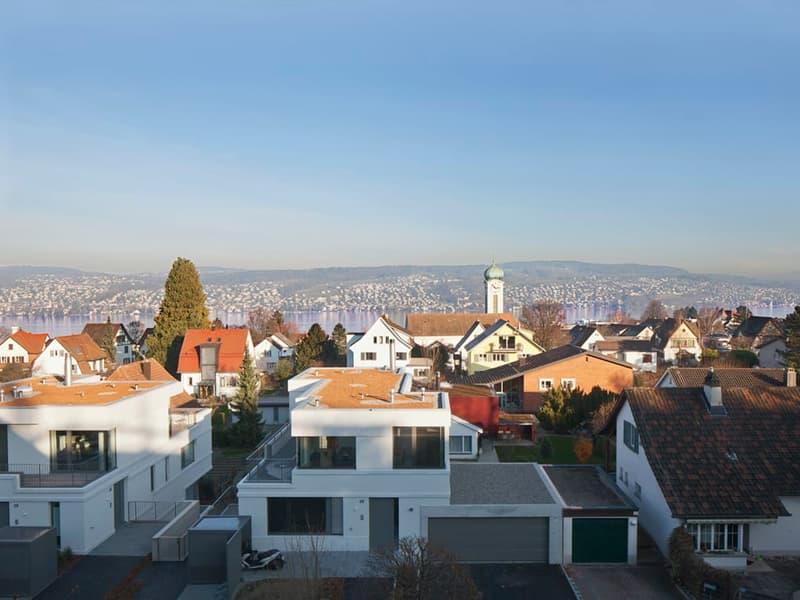 Exklusives 9.5-Zimmerhaus mit Teilseesicht an bester Lage in Thalwil