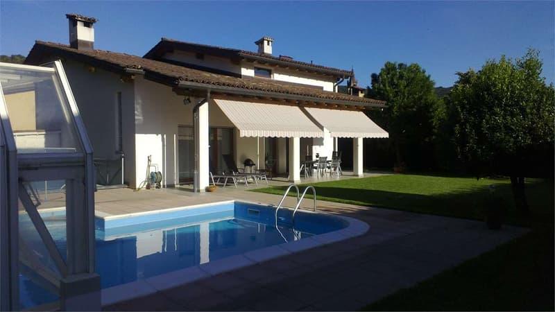 Spledida villa 6,5 locali con piscina coperta