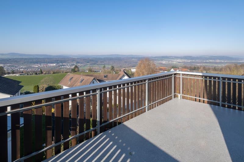 Balkon mit herrlicher Aussicht (ganzer Tage Sonne)