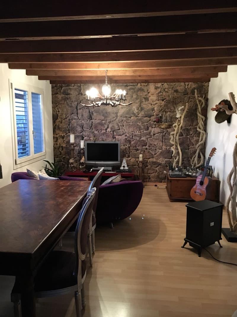 5.5 Zimmer 110 m2, 2 Balkone. Büro-Praxisraummöglichkeit mit sep. Eingang (1)