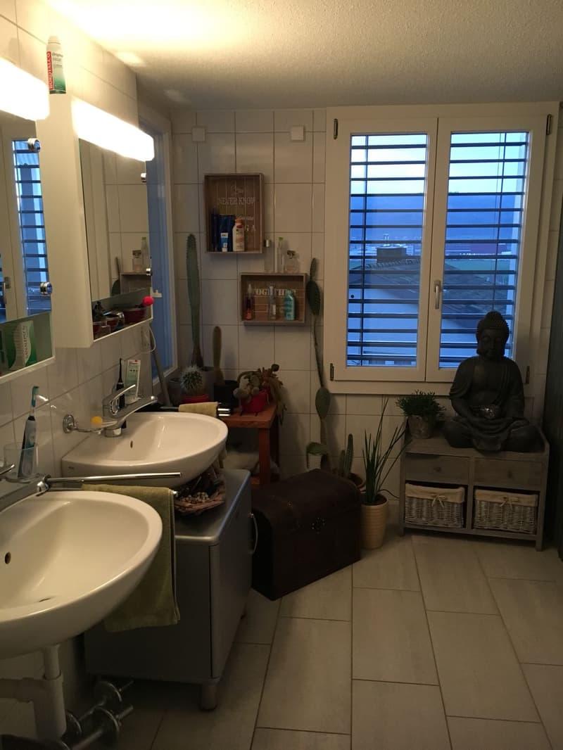 5.5 Zimmer 110 m2, 2 Balkone. Büro-Praxisraummöglichkeit mit sep. Eingang (4)