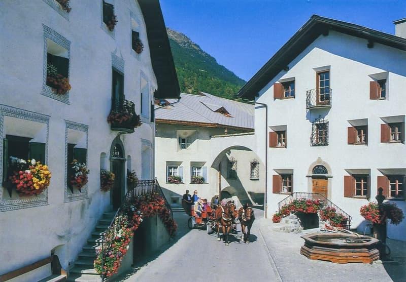 Ferienwohnungen in historischem Engadinerhaus in Bever / GR