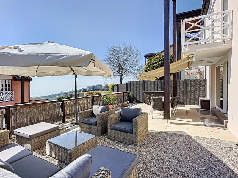 Villa jumelle de 160 m² avec une vue imprenable sur le lac léman