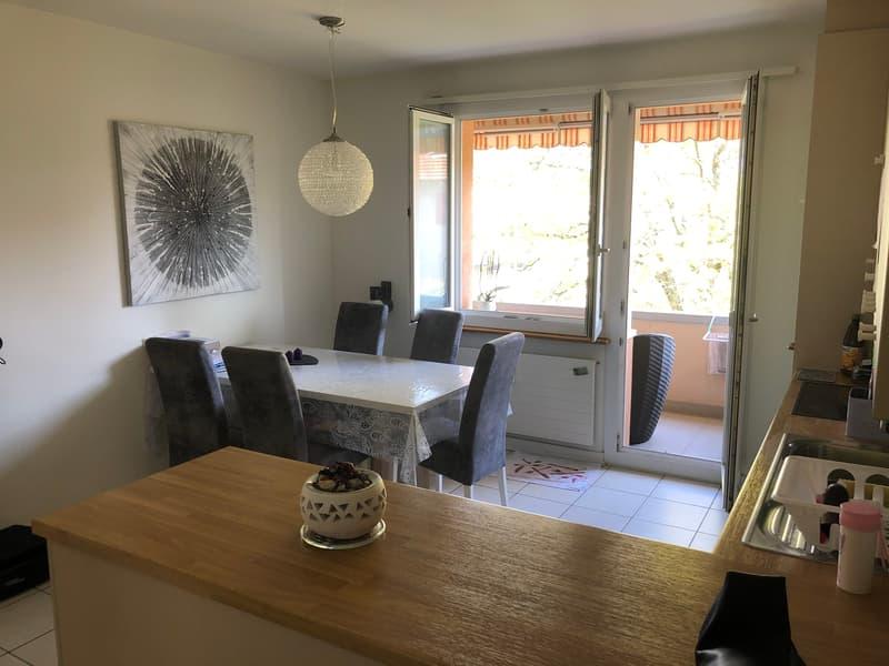Grosse 3½ Zimmer-Wohnung mit Blick ins Grüne zentral in Pratteln (4)