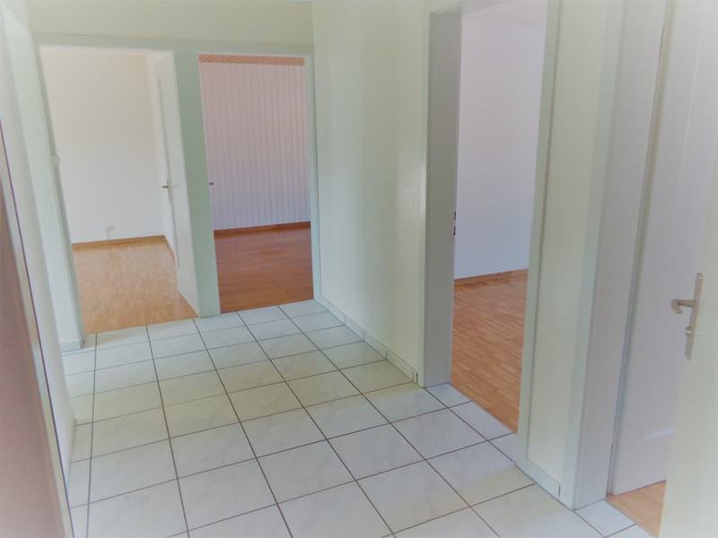 4 Zi-Wohnung an ruhiger, sonniger Lage (2)