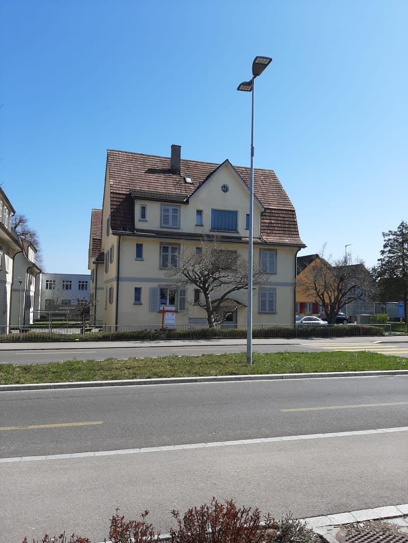 Altbauwohnung mit Charme an ruhiger & zentraler Lage (2)