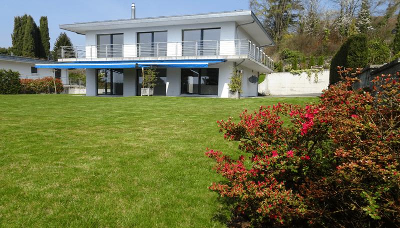 Magnifique villa individuelle moderne avec grand jardin et vue sur le lac et les montagnes