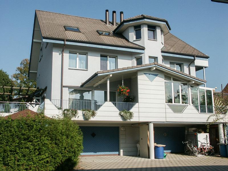 7.5-Zimmer-Doppel-Einfamilienhaus mit Umschwung