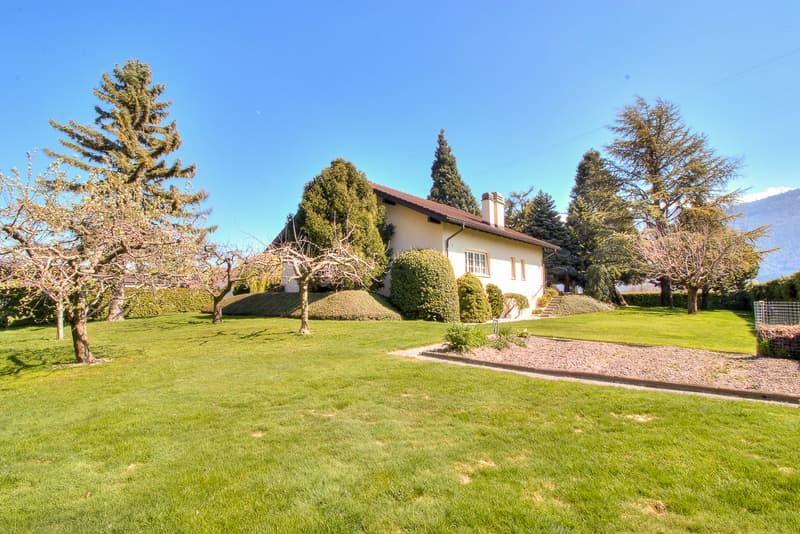 Villa de 5.5 pces et 200 m2 sur parcelle de 1'904 m2 - Vétroz