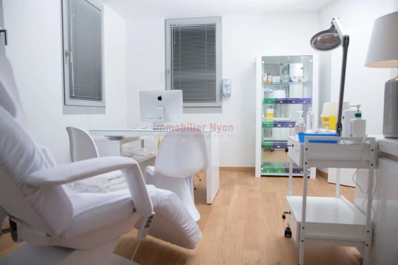 Centre médical agréé, agencement et matériel - Plein centre de Nyon !