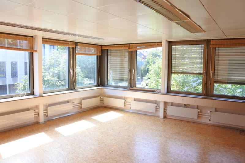 Grosser Büro-/Praxisraum