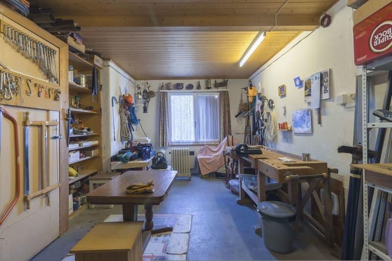 Werkstattraum mit sehr viel Werkzeugen