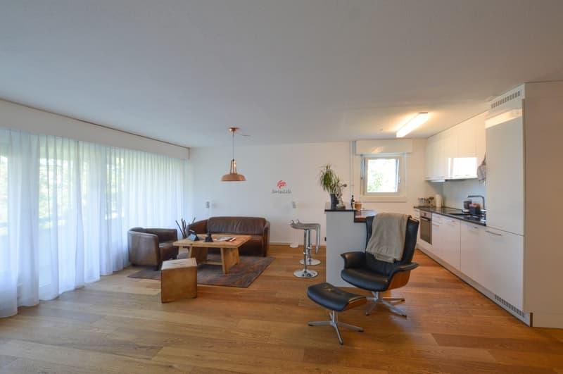 Wohnzimmer / Küche - der Parkettboden ist ein echter Hingucker...