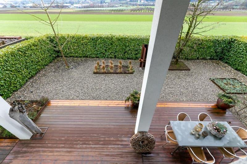 Gartenbereich mit Aussicht ins Grüne