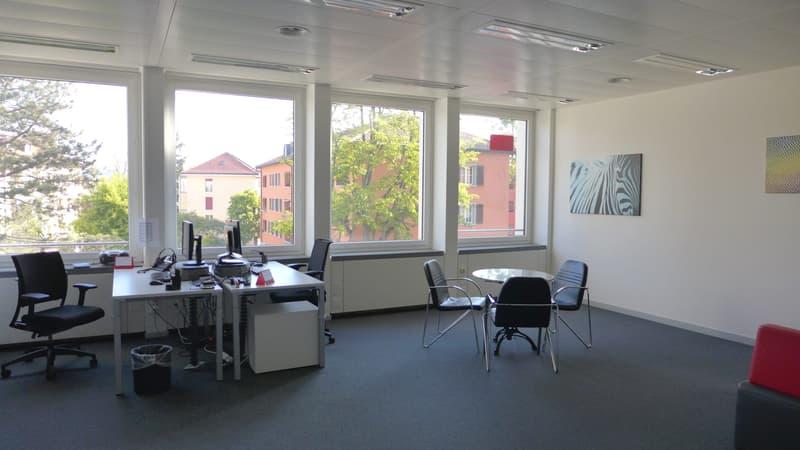 Büro_1.JPG