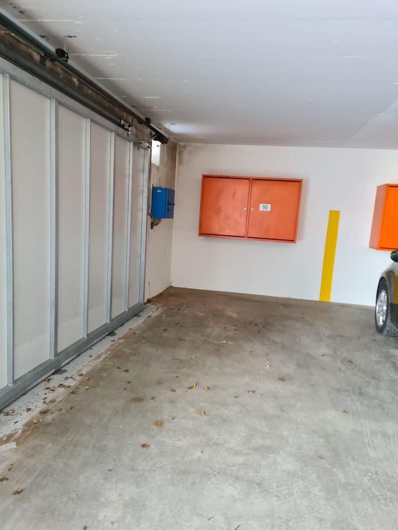 Auto-Abstellplatz