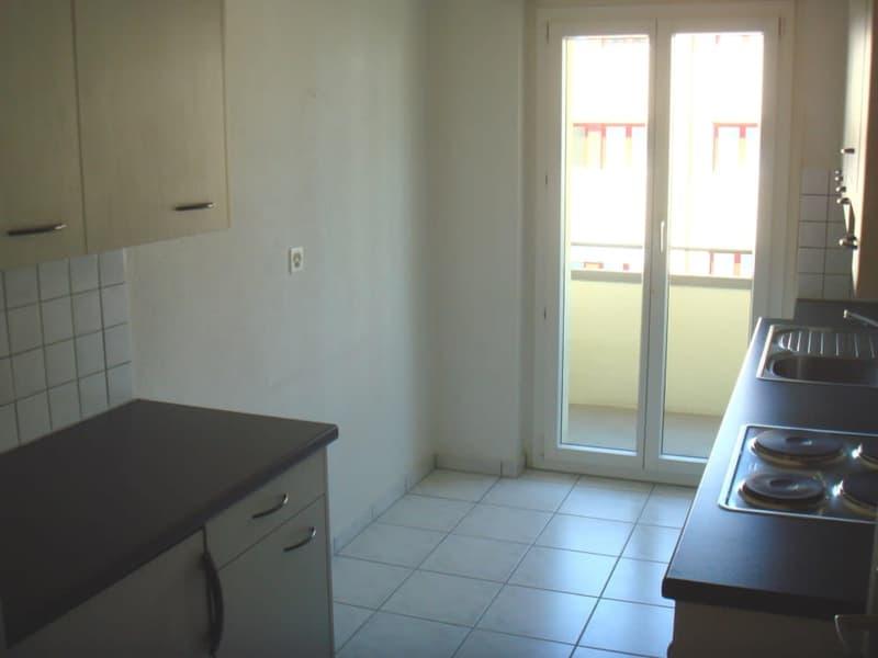 Küche mit kleinem Balkon