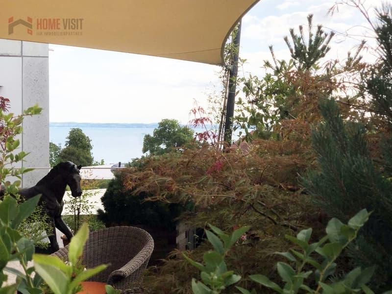 Terrasse mit Sicht auf den Bodensee