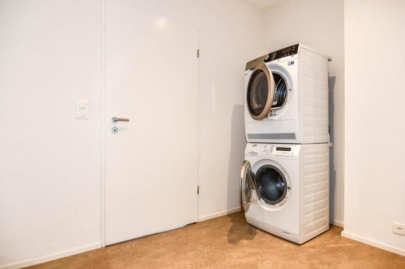 Reduit mit Waschturm