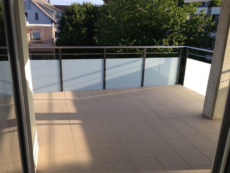 Sonniger Balkon südlich ausgerichtet