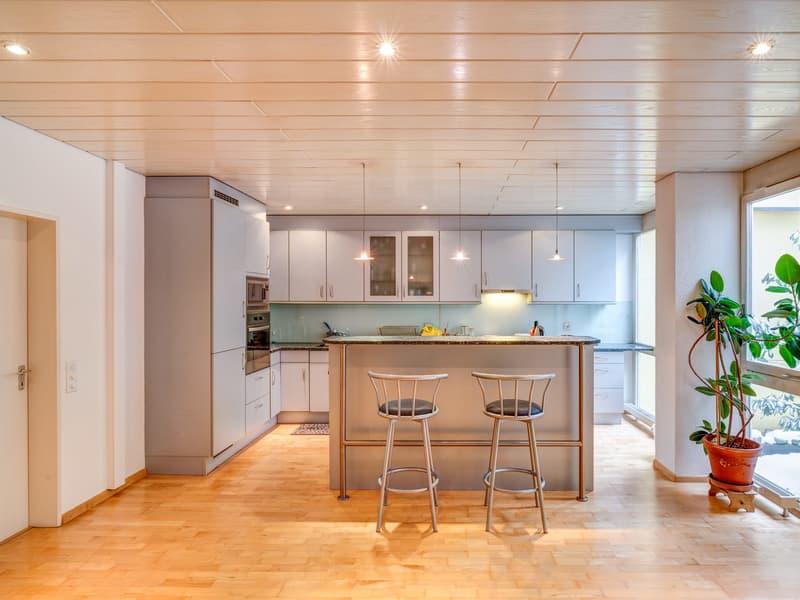 Die moderne und geräumige Wohnküche
