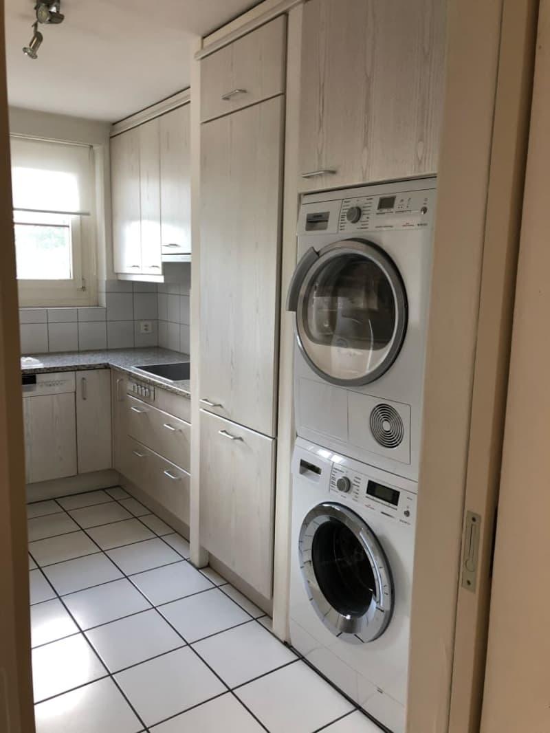 Waschmaschine / Tumbler in der Küche